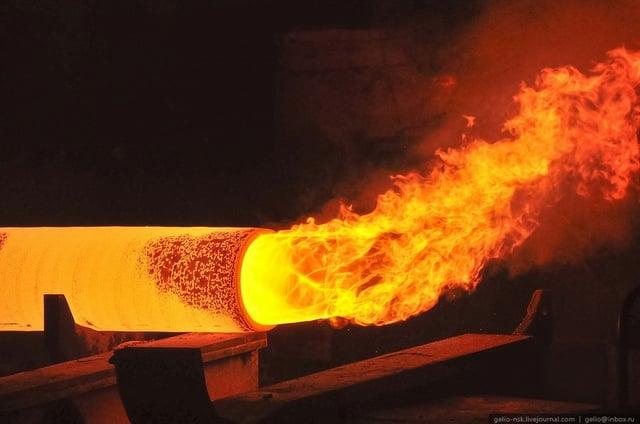 Laminas y aceros -fabricación de tubos de acero.jpg