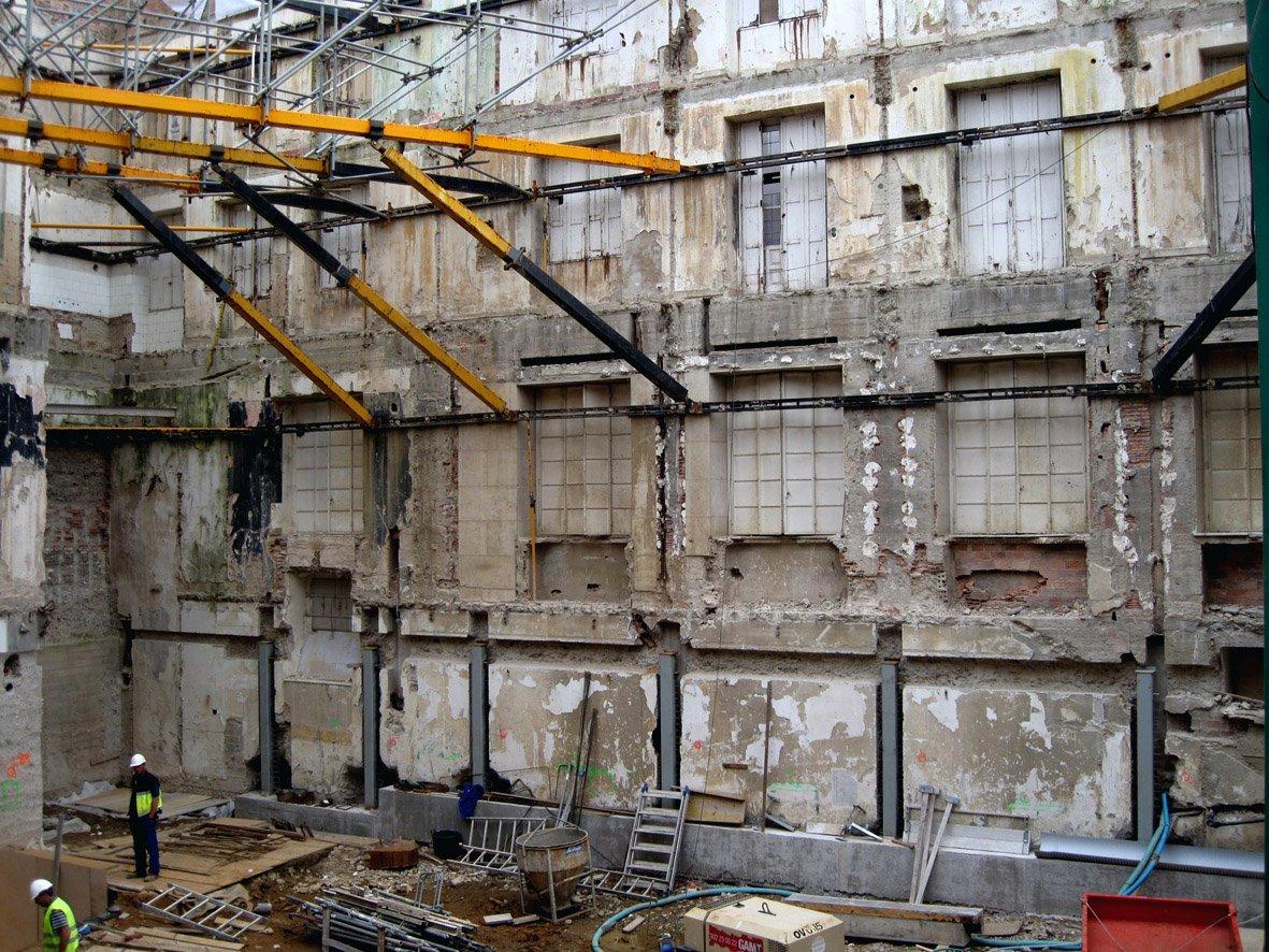 laminas y aceros. fachada de la calle xelmirez